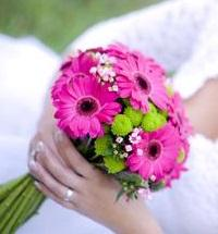 děkuji černovlasé nevěstě, co prodáva krajkové šaty, za inspiraci