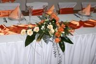 Aj na svadobnom stole
