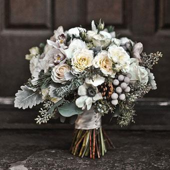 Winter Wedding ideas - Winter wedding bouquet