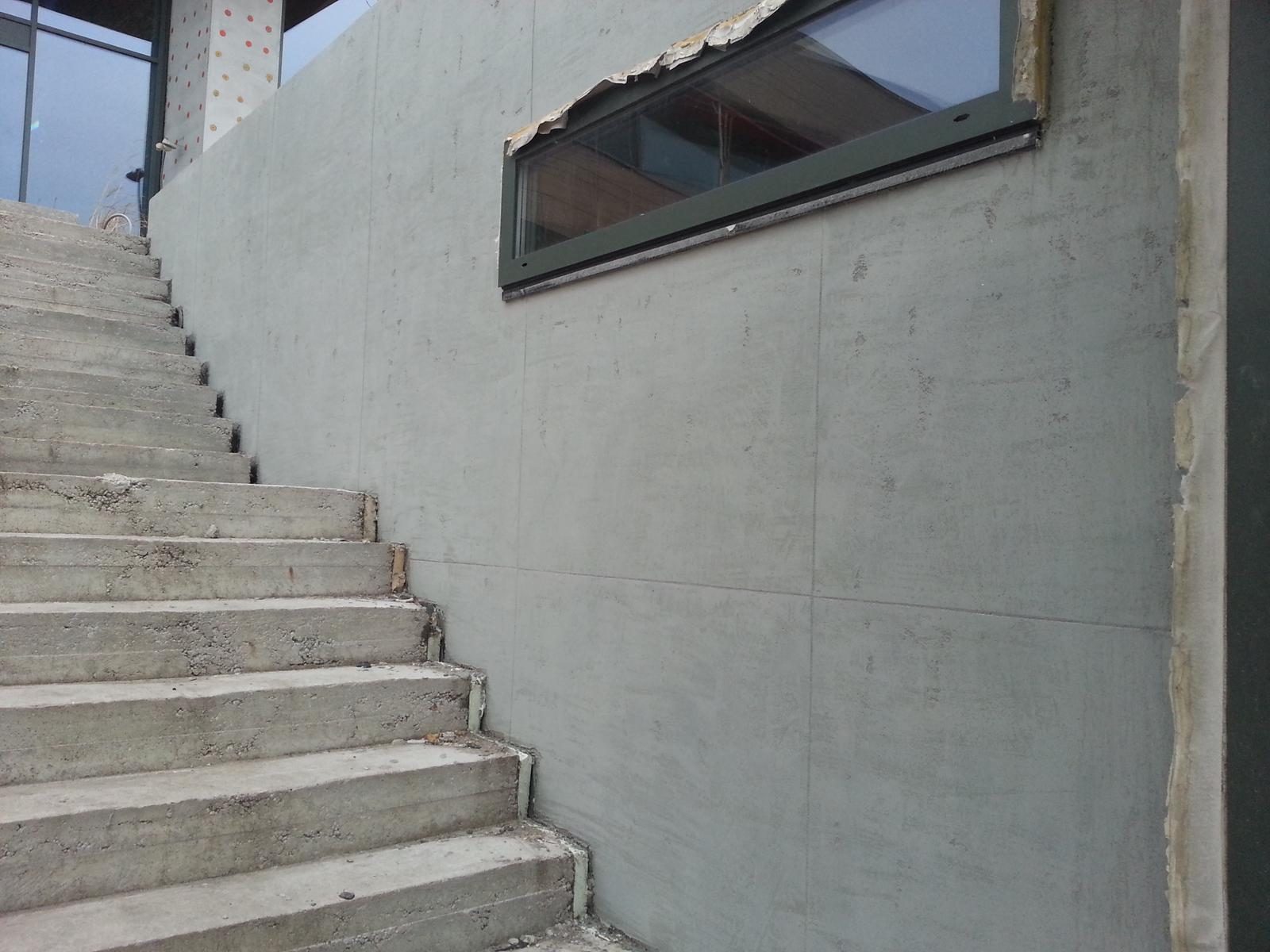 eurotipek - Pohľadový betón je možné vyhotoviť v interiéri, ako aj exteriéri. Realizácia RD Devín