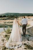 Svadobné šaty s vlečkou , 38