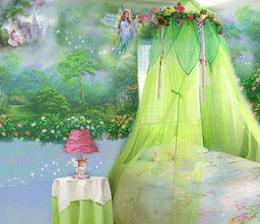 niečo podobné plánujem nad Lujzinu posteľ...a možno aj do záhrady na čajové párty s vílami :-)