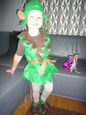 maminka ušila kostým škriatka na karneval...