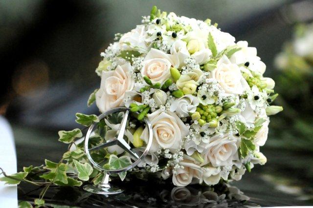 Prípravy na svadbičku - pekná kytica