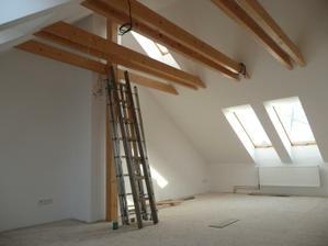 Naše budoucí podkroví, ještě bez podlahy, dveří ......
