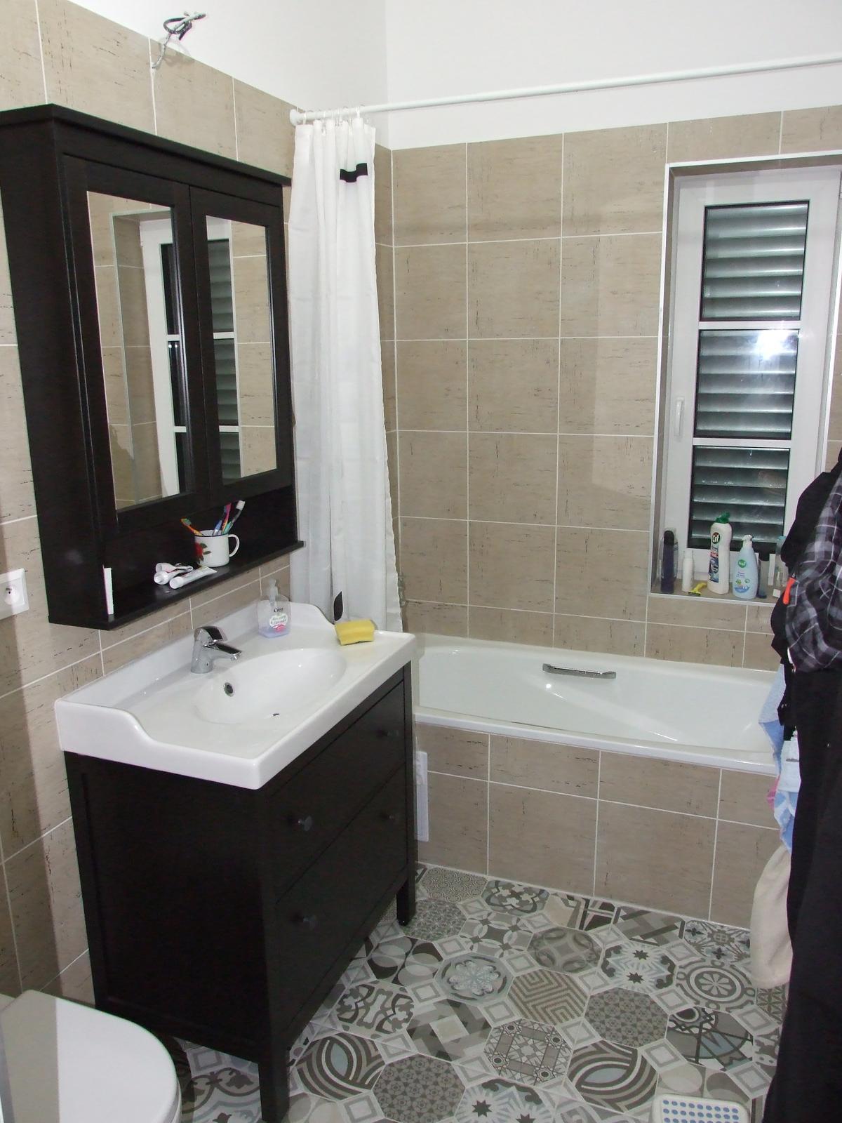 Interiér - kúpelka takmer hotovo