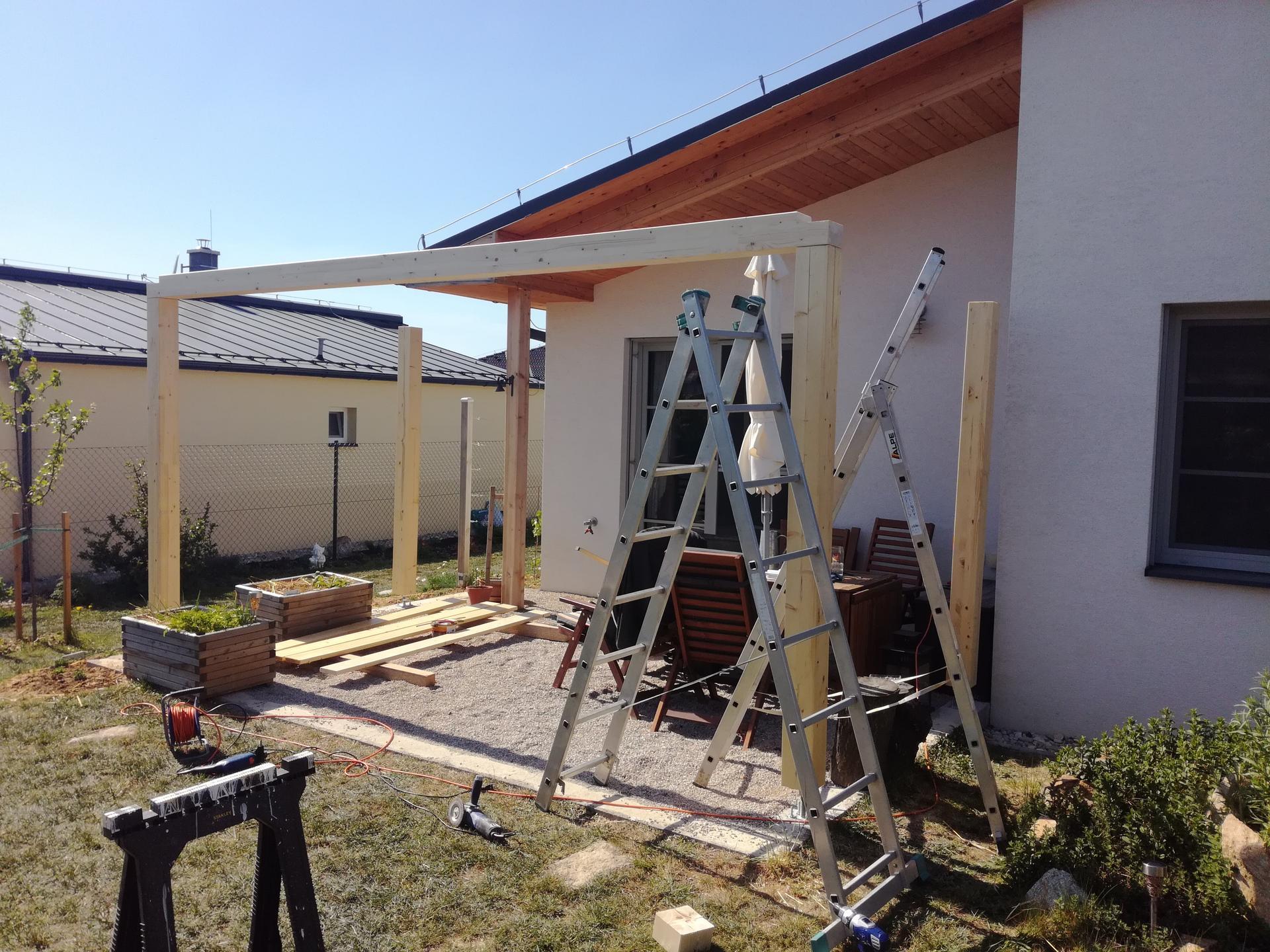 Pergola a terasa svojpomocne - Obrázok č. 5