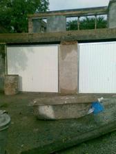 naše budúce garáža s budúcou terasou