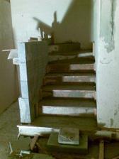 uz sa robia schody do podkrovia :-)))))