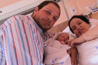 30.5.2016 v 12.25h se Karolínka narodila, vážila 3610g a měřila 49cm