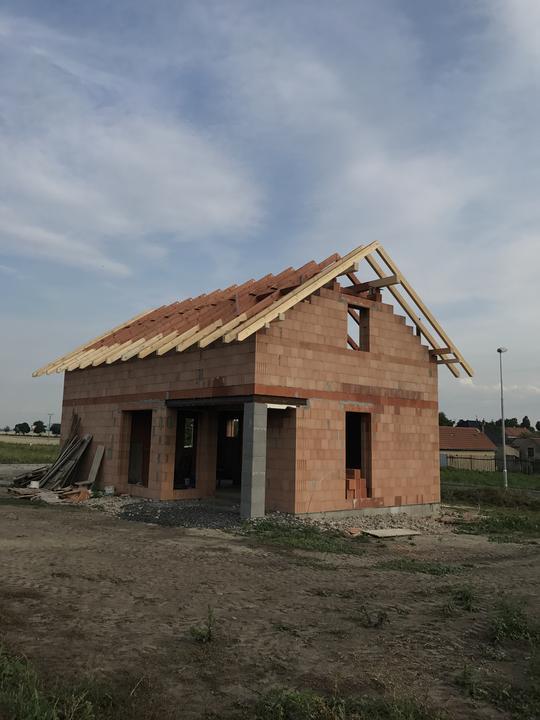 Už to začíná vypadat jako dům 🙂