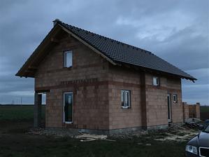 Střecha konečně hotová :)