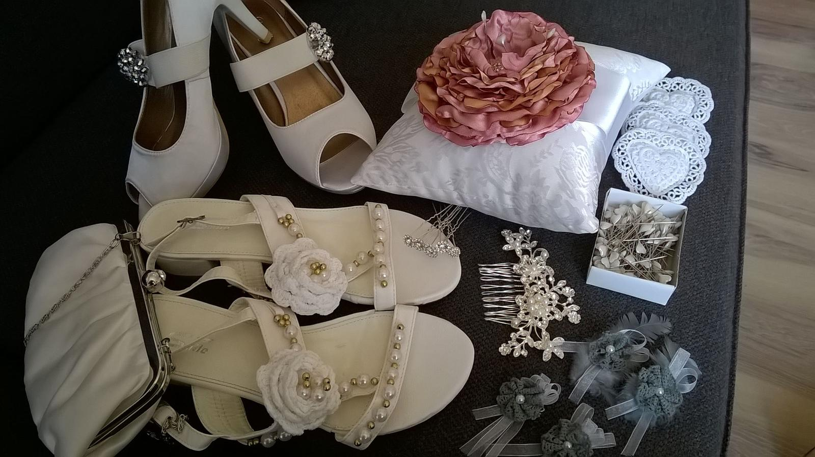 Moja svadba - inšpirácia na farebné prevedenie v bielej a staroružovej - Obrázok č. 1
