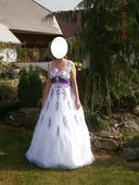 Bílofialové šaty, 38