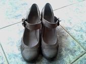 Sivé topánočky, 38