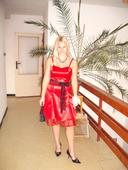 Spoločenské červené šaty,