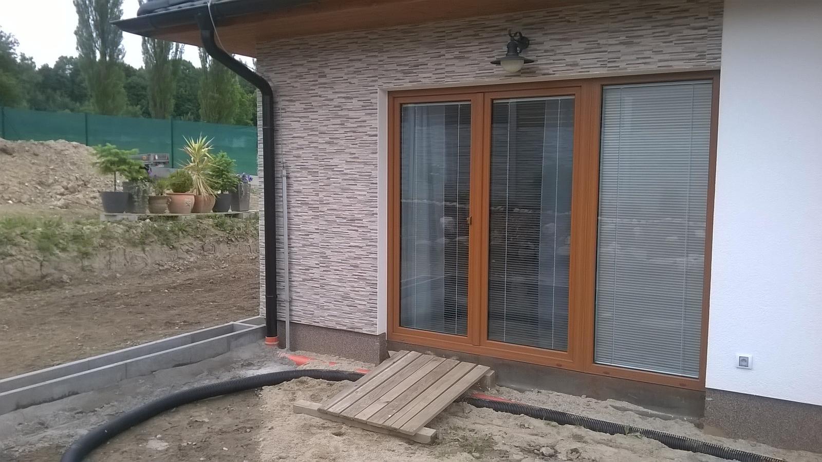 Stavba dřevostavby - Příprava terasy