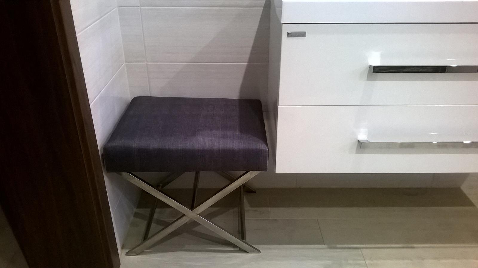 Stavba dřevostavby - Má vysněná stolička do koupelny