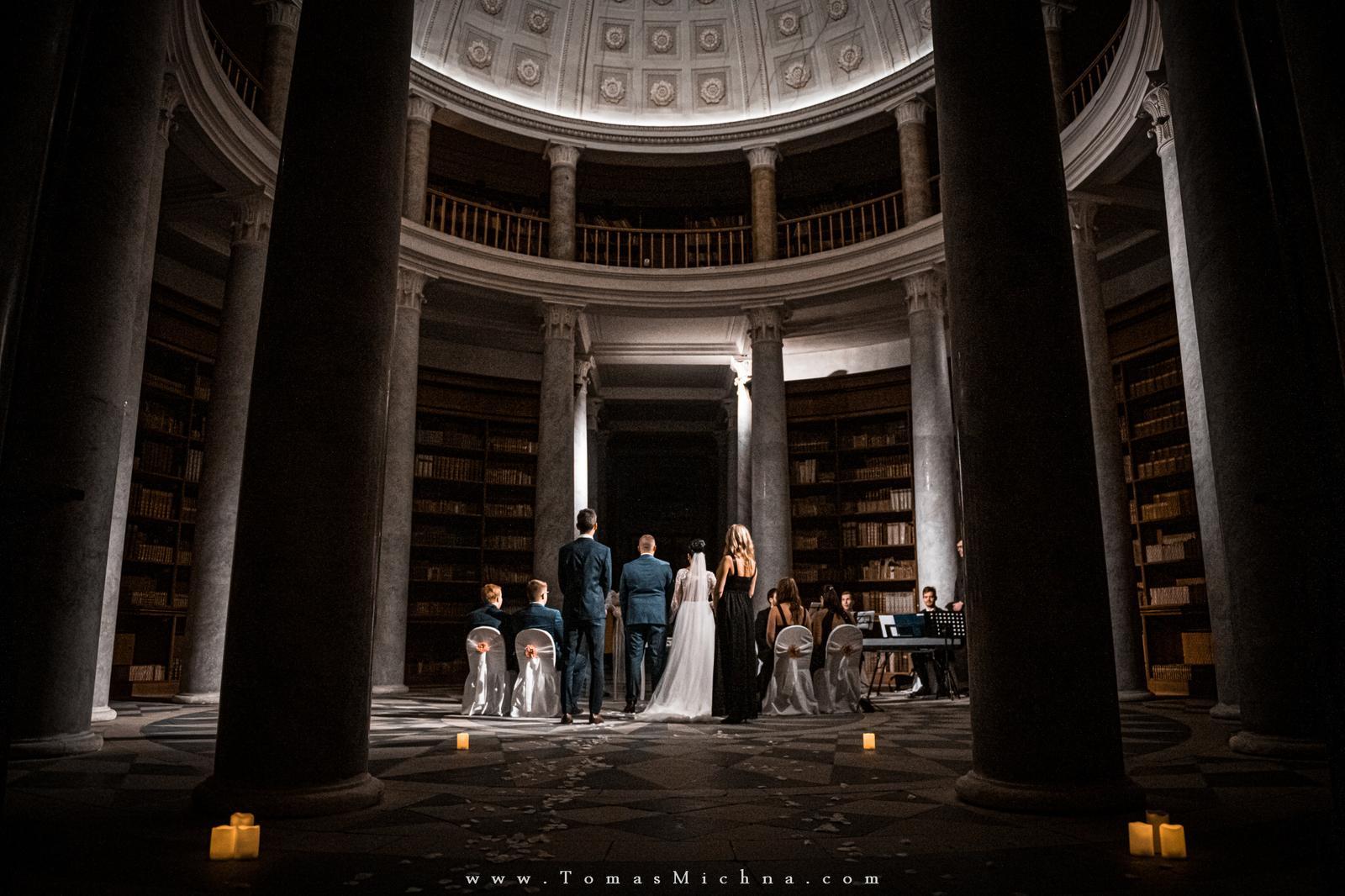 Zimní svatba na zámku Kačina ♥ Veronika & David ♥ 12.12.2019 - Obrázek č. 1
