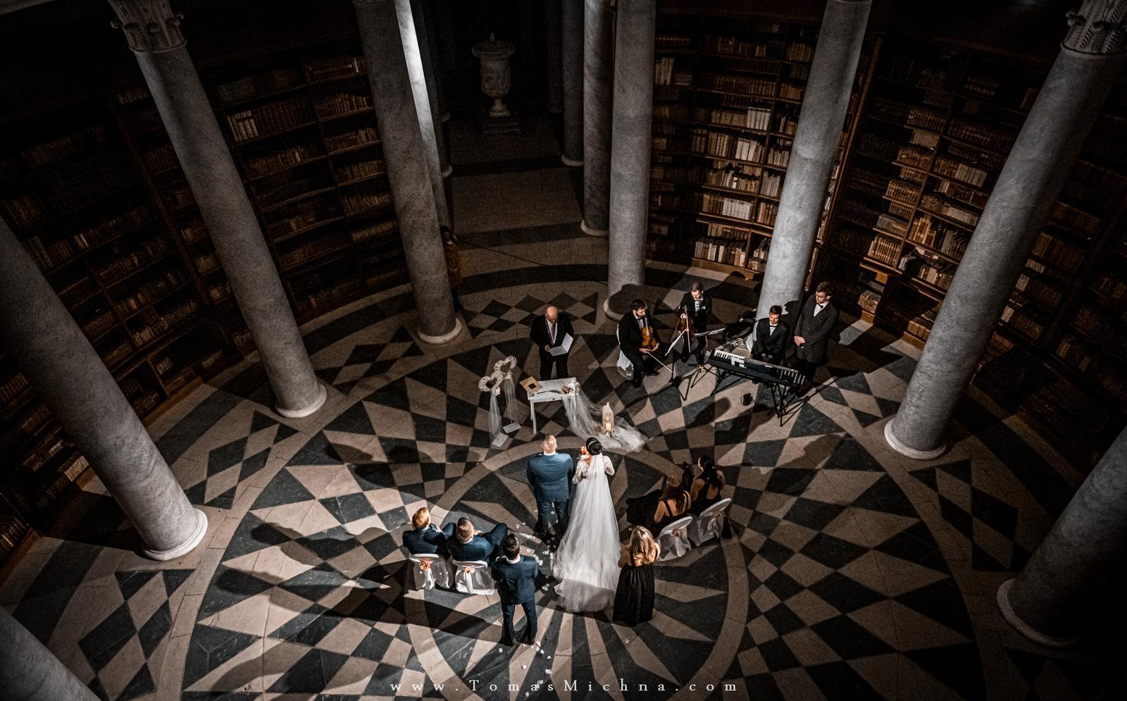 Zimní svatba na zámku Kačina ♥ Veronika & David ♥ 12.12.2019 - Obrázek č. 2