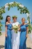 Nevěsta a družičky na pláži Malibu (střední Itálie)