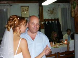 strejda si nenechal utéct tanec s nevěstou.-)