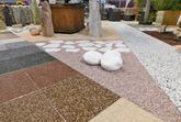 Kamínkový koberec - nabídka společnosti Pidra, která používá materiály Spolchemie