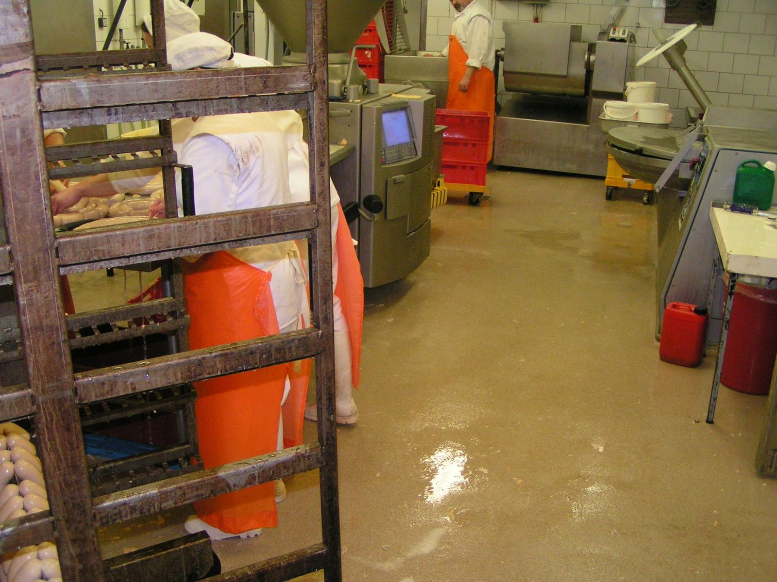 Typy & Tipy: Epoxidove podlahy (nejen) pro aplikátory - 6. EP stěrka – EPOSTYL 521-01 – strukturovaná, protikluzná - potravinářský provoz