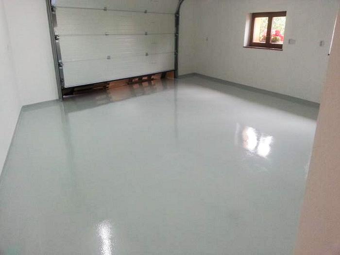 Typy & Tipy: Epoxidove podlahy (nejen) pro aplikátory - 4. Finální EP nátěr – SADURIT Z1 - garáž rodinného domu