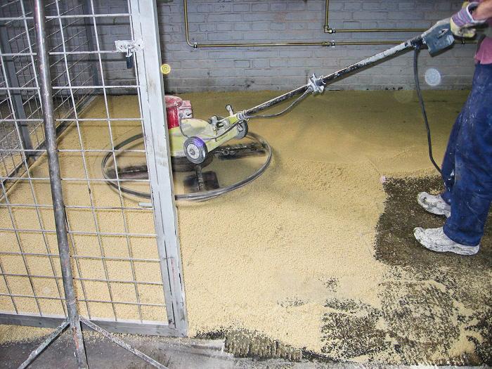 Typy & Tipy: Epoxidove podlahy (nejen) pro aplikátory - 3. POLYMERBETON: Oprava prasklin a výtluků, reprofilace