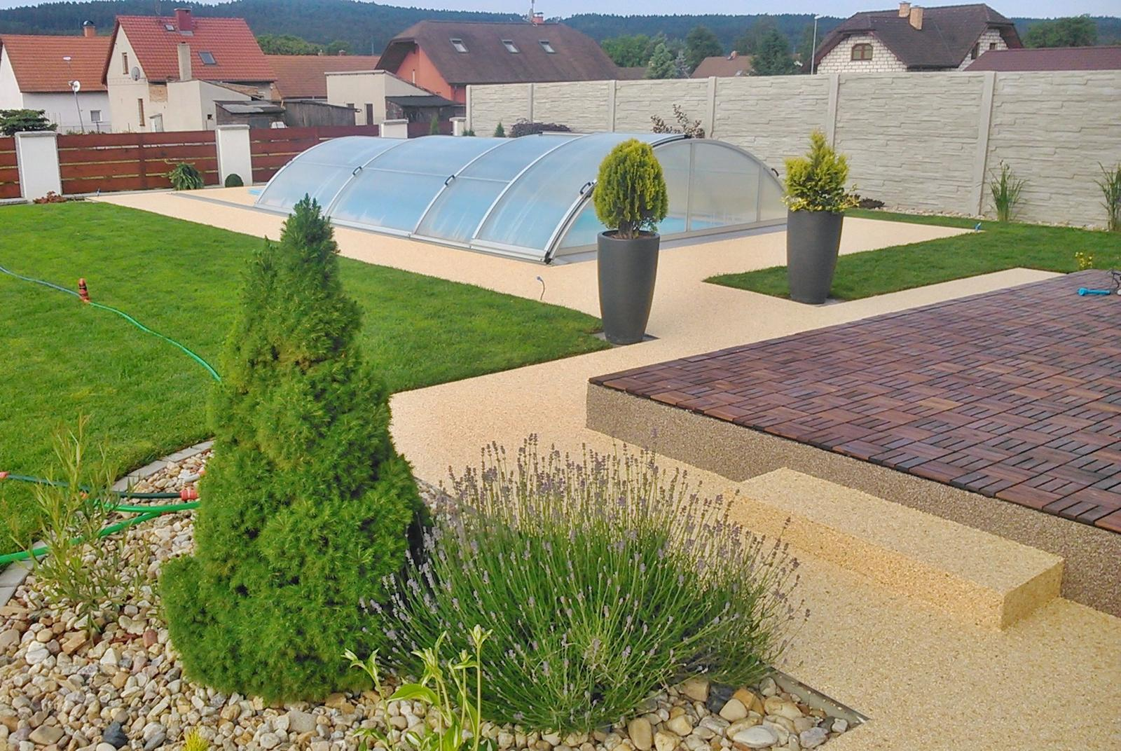 Kamínkový chodníček CHS EPODUR STONE - možnosti desénů a tvarů - Design pro vaši zahradu? Proč ne...