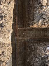 Železo bola ohnutá kari sieť zdá sa mi že fi8 150x150 nastrihaná na pásy a ohnutá do U