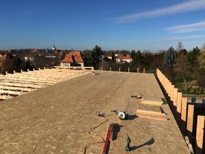 Zábavná etapa .. v januári pri -10 vyhadzovať hore na strechu 22osb ...