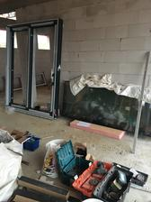 Etapa okná ... všetky väčšie boli hliník antracit ...