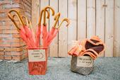 Oranžové deštníky s dřevěnou rukojetí 6ks,