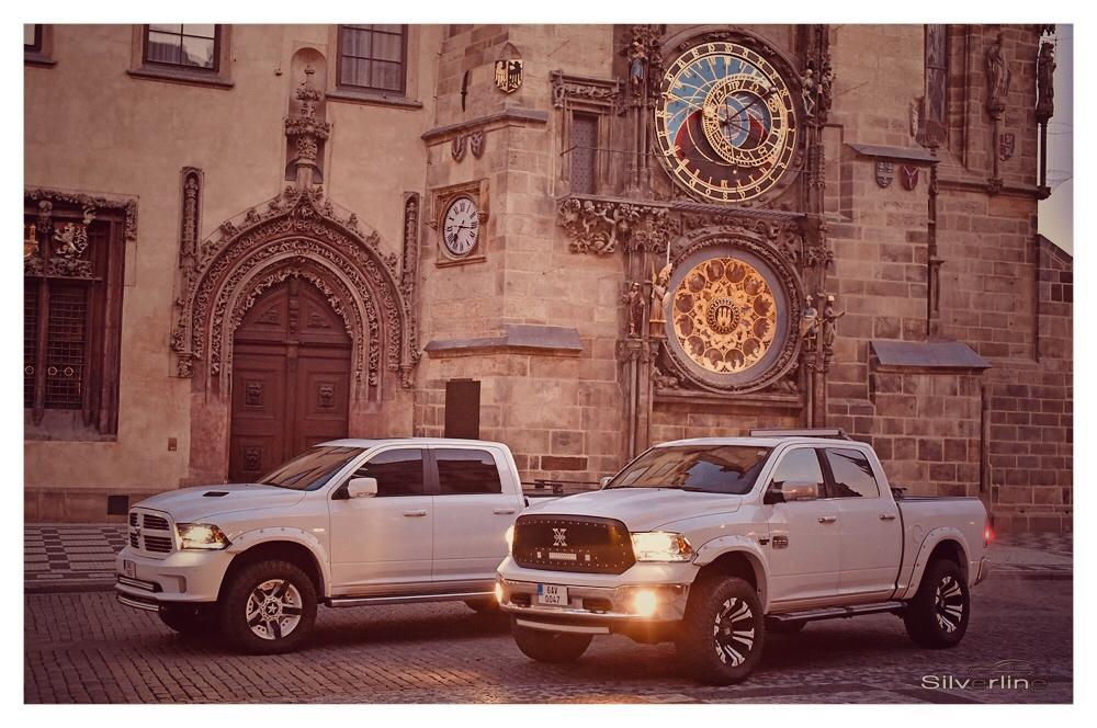 Dvojčata Dodge Ram 1500 - Obrázek č. 2