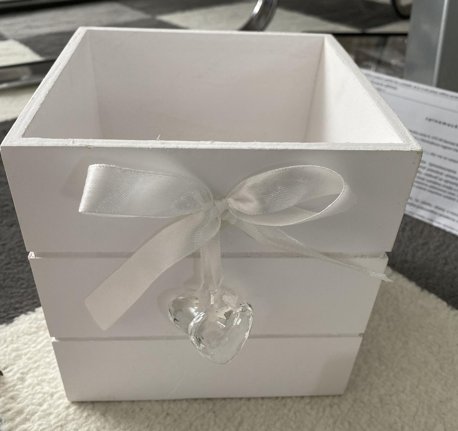 krabička bielej farby - Obrázok č. 1