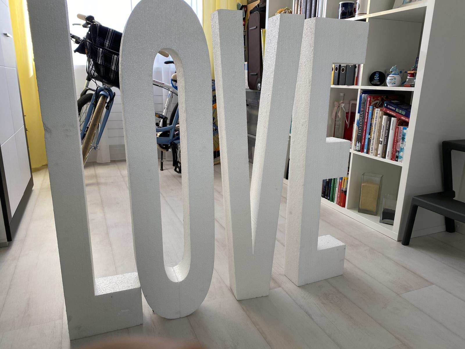 polystyrénové písmena LOVE - Obrázok č. 1