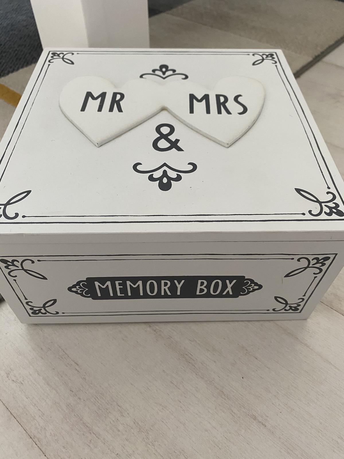 drevená krabička mr & mrs - Obrázok č. 1