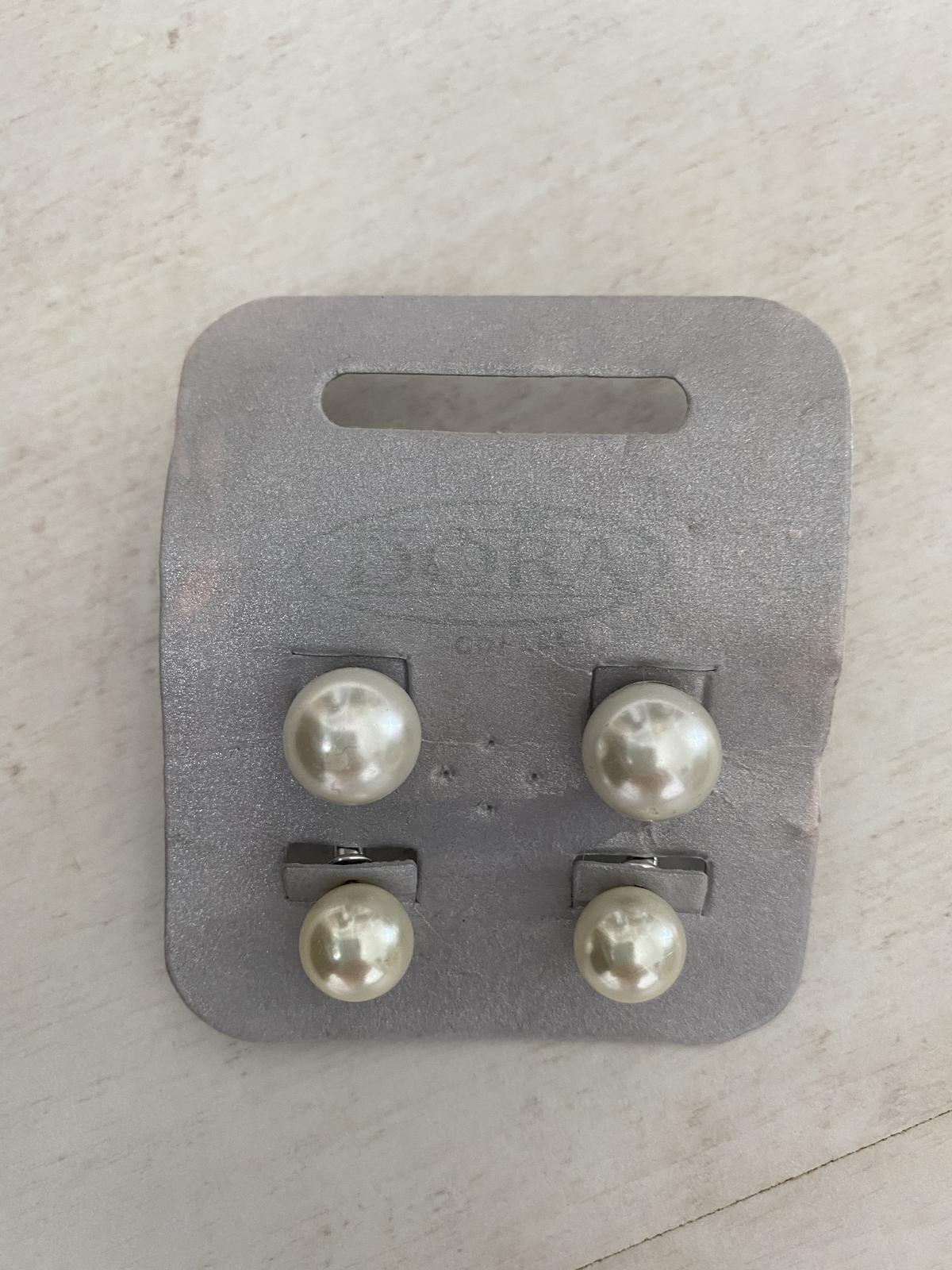 náušnice 2x biele perly - Obrázok č. 1