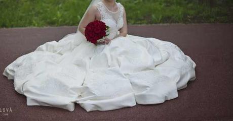 Kráľovské svadobné šaty - Obrázok č. 2