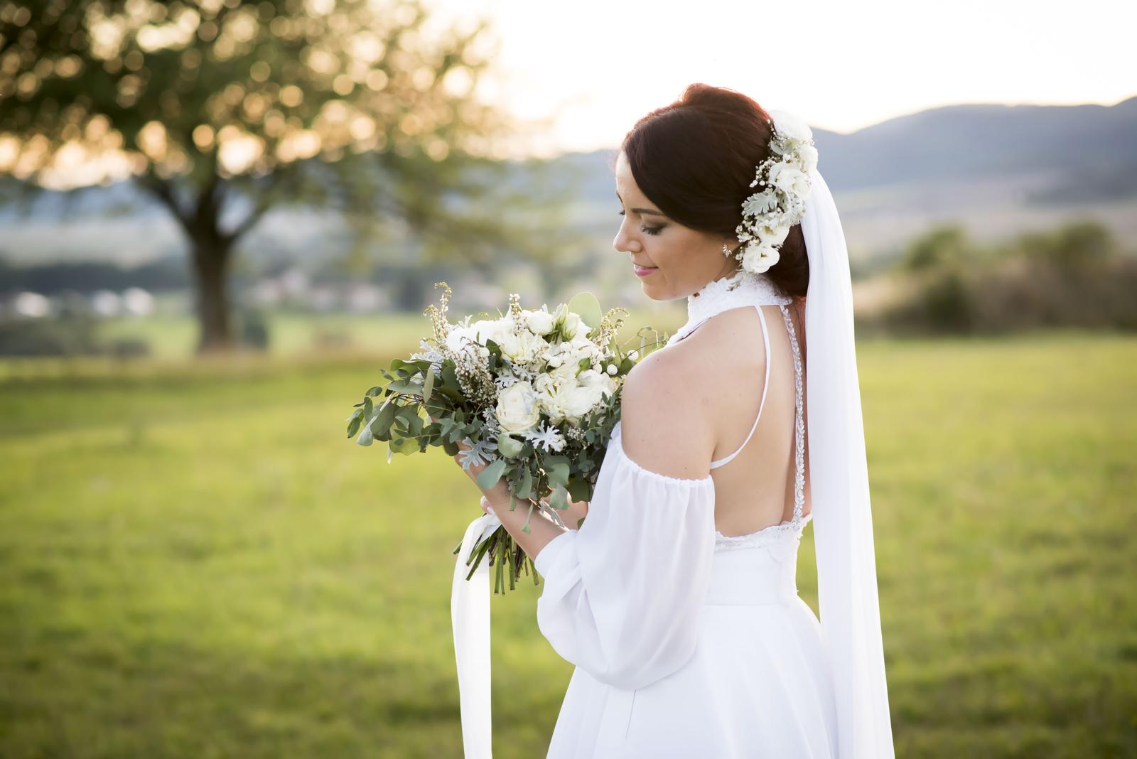 Svadobné šaty s vlečkou 2019 - Obrázok č. 4