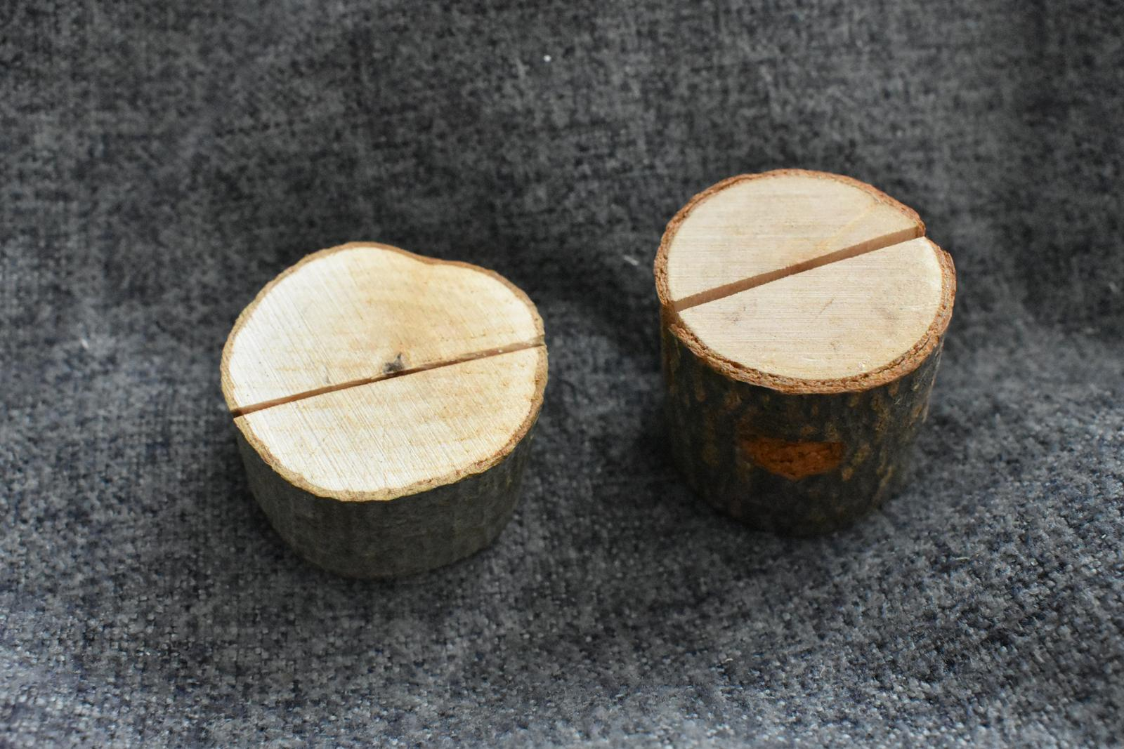 Dřevěné stojánky na jmenovky - Obrázek č. 1