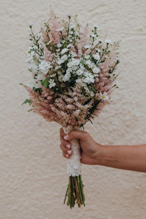 Vybrali by ste si jednoduchú kyticu z lúčnych kvetov alebo preferujete skôr robustnejšie luxusné kytice? :-) - Obrázek č. 1