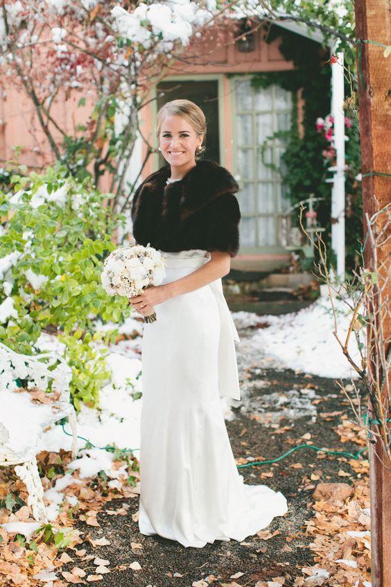 Svatební bolerka, pláštěnky, bundy a jiné přikrývky - Obrázek č. 26