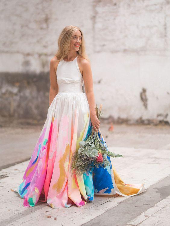 Barevné svatební šaty - Obrázek č. 8