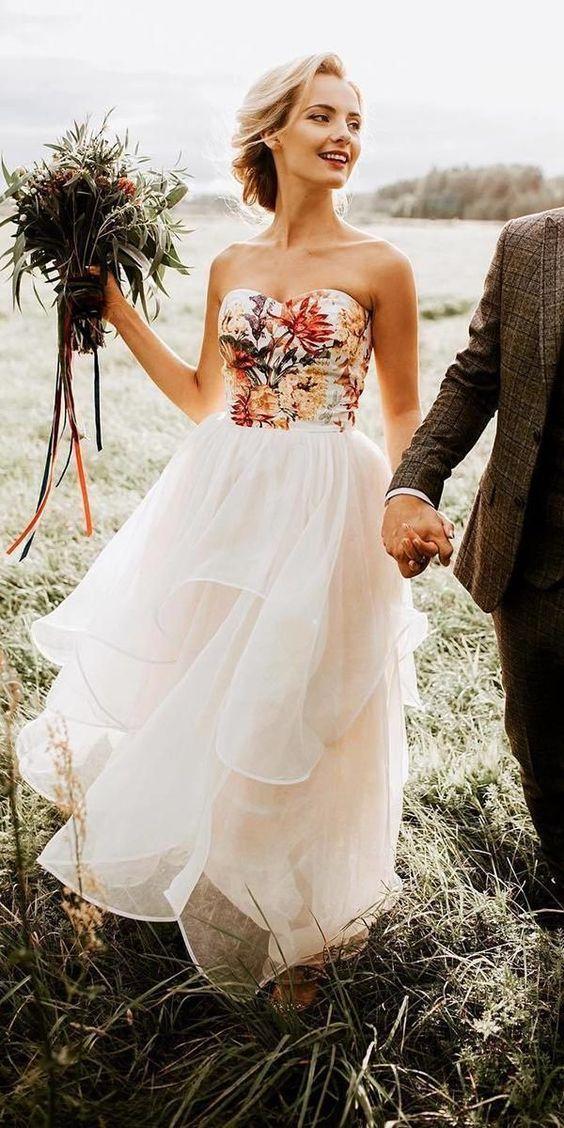 Barevné svatební šaty - Obrázek č. 7