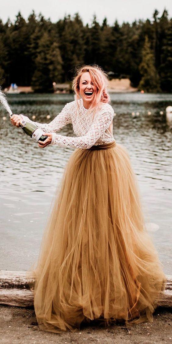 Barevné svatební šaty - Obrázek č. 15