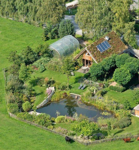 Táto prírodná usadlosť ma dostala. Prijali by ste takýto dom? :) Zdroj foto: FB Prírodné domy - TurrellMika, Sankt Corona am Wechsel - Rakúsko - Obrázek č. 1