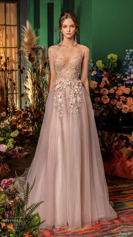 Barevné svatební šaty - Obrázek č. 18